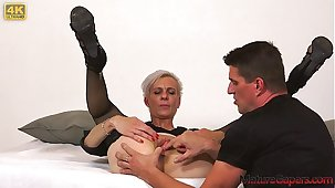 Sexy skinny grown-up woman Belinda Bee hardcore pussy banging and fucking about 4K - MatureGapers.com