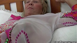British granny Isabel has big gut together with a fuckable fanny