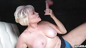 Cum on This MILFS Tits in the lead Milking Table