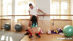 Busty Gym Babe Kyra Hot Gets a Teat Bonking Workout With Her Trainer