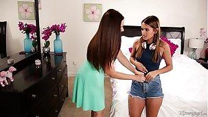 Jocular mater sniffing the panties of a young girl! - Mindi Mink, Uma Jolie