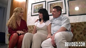 German milfs sharing a lucky toff